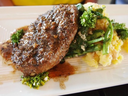 grilled-gardein-vegan-steak-au-poivre-493x370
